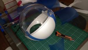 fixer sphères polystyrene plexiglas