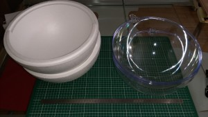sphères polystyrene et plexiglas