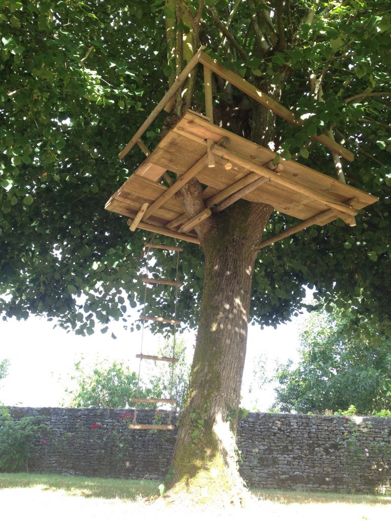 construire une cabane iii dans les arbres toysfab. Black Bedroom Furniture Sets. Home Design Ideas