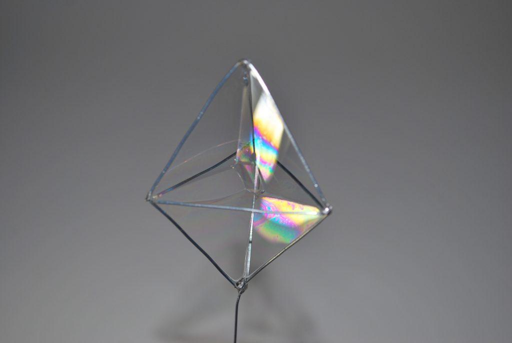 bulle-de-savon-bipyramide-triangulaire-4