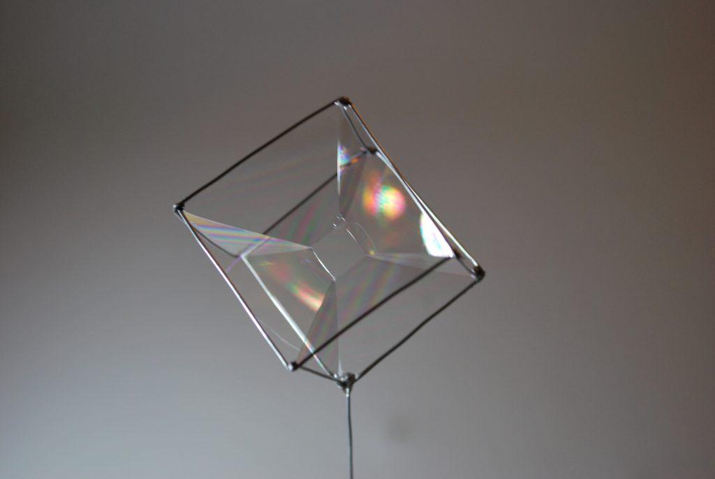 faire des photos de bulles de savon de toutes formes et un peu de physique sans le savoir. Black Bedroom Furniture Sets. Home Design Ideas